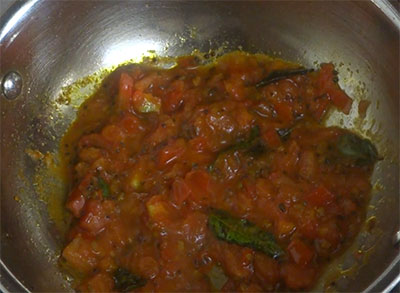 frying tomato for 5 minute quick saaru or rasam